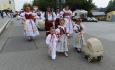 Na 12. ročníku putovního festivalu Setkání Hanáků v Tovačově na Přerovsku 28. září 2021 se setkalo 525 krojovaných účastníků ze třiceti národopisných tanečních a hudebních souborů. Součástí programu bylo předání hodového práva, průvod městem a vystoupení jednotlivých souborů na nádvoří zámku a v přilehlém parku.