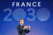 Francouzský prezident Emmanuel Macron oznamuje své plány. Země by měla mít do roku 2030 několik nových a malých jaderných reaktorů a měla stát i lídrem v zeleném vodíku.
