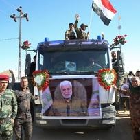 Smuteční průvod za  člena vedení iráckých milicí Abú Mahdího Muhandise v Basře na snímku ze 7. ledna 2020.