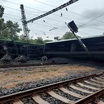 Nedaleko Teplic ve stanici Úpořiny vykolejil 26. září 2020 nákladní vlak naložený uhlím.