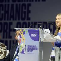 Švédská ekologická aktivistka Greta Thunbergová během projevu na klimatickém summitu v Miláně, 28. září 2021.