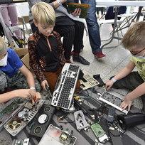 Výstava herního průmyslu a festival kutilů nazvaný Maker Faire začaly 23. října 2021 na brněnském výstavišti v rámci akce Brno Creative Days. Návštěvníci si mohli vyzkoušet experimenty s moderními technologiemi na rozhraní řemesla a vědy.