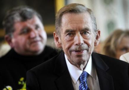 Bývalý prezident Václav Havel obdržel 2. září čestné občanství Prahy 6.