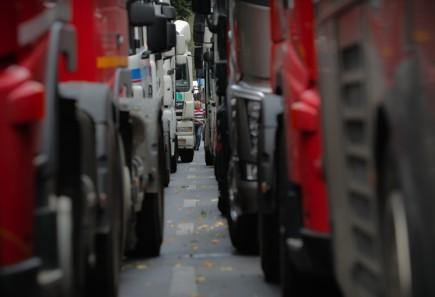 Český řidič, jenž v Německu riskantně předjížděl, dostal vězení