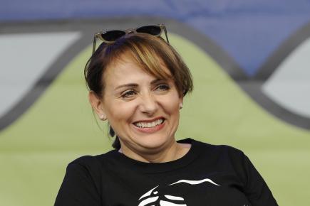 Pražská primátorka Adriana Krnáčová se 21. května zúčastnila na Klárově a náměstí Jana Palacha v Praze panelových diskusí o využití veřejného prostoru. Součástí akce Spojujeme břehy Vltavy byly také hudební vystoupení nebo výtvarný workshop.