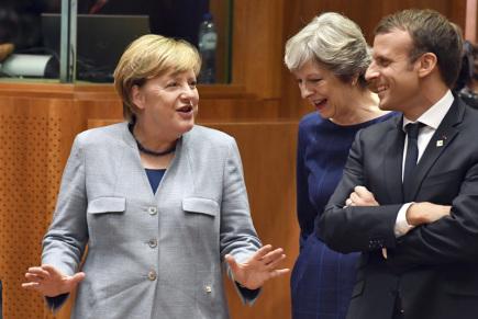 Zleva německá kancléřka Angela Merkel, britská premiérka Theresa Mayová a francouzský prezident Emmanuel Macron na summitu EU v Bruselu.