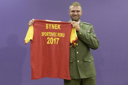Skifař Ondřej Synek byl 26. října v Praze poprvé v kariéře vyhlášen nejlepším armádním sportovcem roku.