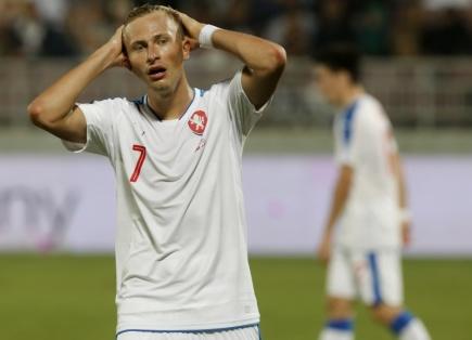 Přípravné fotbalové utkání ČR - Katar 11. listopadu v Dauhá. Antonín Barák z ČR.