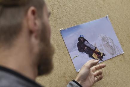 Mistr zvuku Ivo Repčík (na snímku) dokázal jako první na světě pořídit separátní zvukový záznam v nadmořské výšce nad 8000 metrů na profesionální zvukovou techniku. Jeho výkon byl 15. listopadu v Pelhřimově zapsán do České knihy rekordů. Záznam pořízený letos při výstupu na vrchol Gasherbrum II v pákistánském pohoří Karákóram bude součástí vznikající rozhlasové hry.