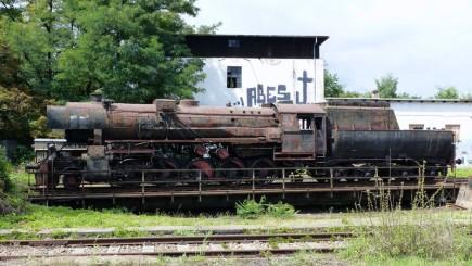 Nadšenci z brněnského Klubu přátel kolejových vozidel před třemi lety získali parní lokomotivu řady 555 (na snímku z 13. sprna 2016). Nyní shánějí od dárců peníze na dokončení opravy kotle. Lokomotiva byla vyrobená v nacistickém Německu za druhé světové války, v Česku se jí proto přezdívá Němka.
