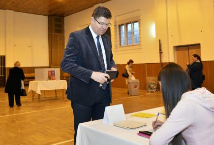 Předseda TOP 09 Jiří Pospíšil odevzdal 12. ledna 2018 v Plzni-Valše svůj hlas v prvním kole prezidentských voleb.