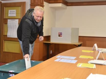 Předseda ČSSD Milan Chovanec 12. ledna v Plzni odevzdal svůj hlas v prvním kole prezidentských voleb.