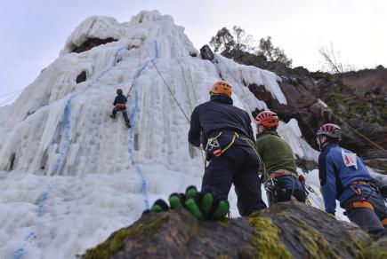 Na ledové stěně ve Víru na Žďársku se 10. března uskutečnilo Mistrovství republiky v ledovém lezení na rychlost - Vírský cepín 2018.