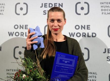 Slavnostní zakončení 20. ročníku festivalu filmů o lidských právech Jeden svět se konalo 14. března v Praze. Nejlepším českým dokumentem je film Nerodič režisérky Jany Počtové (na snímku).