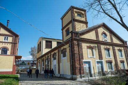 Pravděpodobně nejstarší pivovarnickou varnu v České republice používá protivínský pivovar Platan (na snímku z 11. dubna).