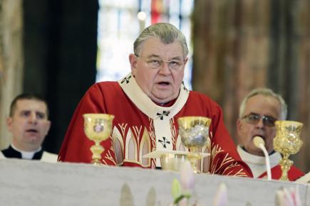 Kardinál Dominik Duka (uprostřed) sloužil 21. dubna 2018 v katedrále sv. Víta, Václava a Vojtěcha mši u příležitosti repatriace ostatků kardinála Josefa Berana.