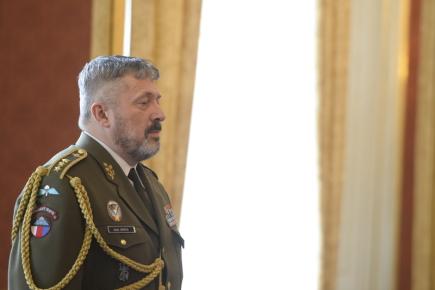 Prezident ČR Miloš Zeman jmenoval 25. dubna 2018 v Praze do funkce náčelníka generálního štábu Aleše Opatu (na snímku).