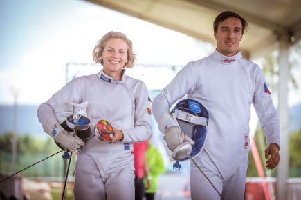 Moderní pětibojaři Jan Kuf a Eliška Přibylová vyhráli 27. května 2018 závod smíšených štafet na Světovém poháru v Sofii.