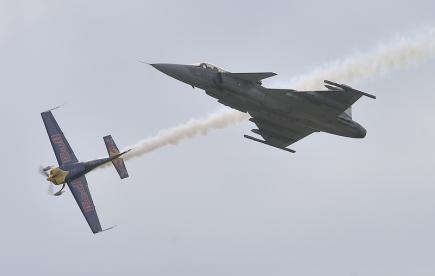 bd839b069565 Desetitisíce lidí v Čáslavi viděly unikátní letecké vystoupení