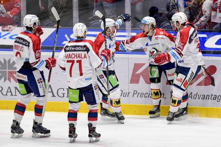 Dohrávka 25. kola ELH: Pardubice přivítají vedoucí Spartu