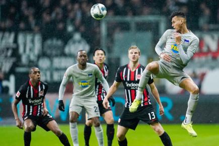 Hertha ve Frankfurtu ztratila dvougólové vedení a remizovala 2:2