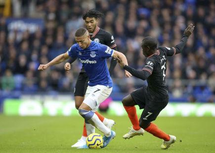 Everton s novým trenérem ukončil sérii porážek výhrou nad Chelsea