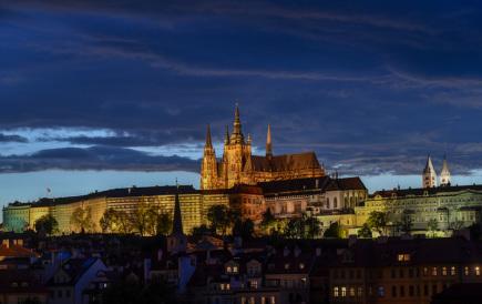 Aktuálně.cz: GIBS obvinila dva členy prezidentské ochranky ze zpronevěry