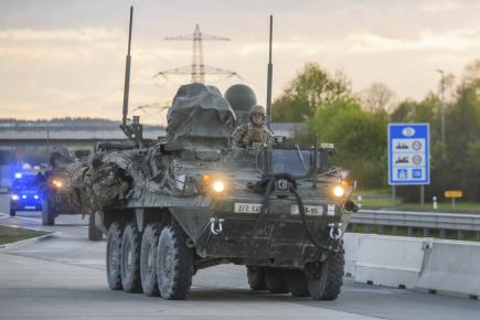 Přes ČR se vrací konvoj armády USA, první vozy překročily hranici u Břeclavi