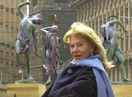 Ve věku 81 let zemřela v Monaku sochařka Anna Chromy, česká rodačka