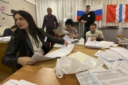 Ruské volby podle prvních odhadů vyhrálo Jednotné Rusko