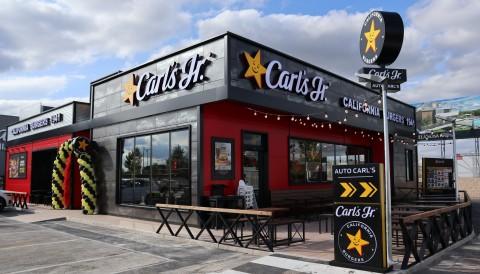 CKE Restaurants otevírá svou 1000. mezinárodní restauraci