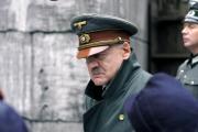 Německý herec Bruno Ganz v roli Adolfa Hitlera ve filmu Pád třetí říše.