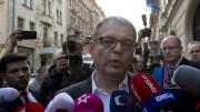 Volební lídr ČSSD Lubomír Zaorálek (uprostřed) komentoval 21. října v Lidovém domě v Praze výsledky sněmovních voleb. Druhý zprava je předseda ČSSD Bohuslav Sobotka.