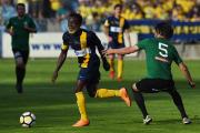 Utkání 28. kola druhé fotbalové ligy: SFC Opava - 1. FK Příbram, 16. května 2018 v Opavě. Zleva Joel Ngandu Kayamba z Opavy a Tomáš Zápotočný z Příbrami.