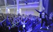 Celkem 2135 účastníků festivalu zábavy Life! překonalo 10. listopadu 2018 na brněnském výstavišti rekord v počtu tančících v jednu chvíli na jednom místě. Pokořili tak loňský rekord s 2052 lidmi. Na snímku Roman Šebrle háže svou čepici tanečníkům.