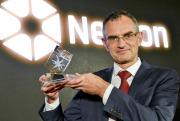 Tomáš Jungwirth z Fyzikálního ústavu Akademie věd ČR převzal 3. prosince 2018 v Praze cenu Nadačního fondu Neuron za významný vědecký objev v oboru fyzika.