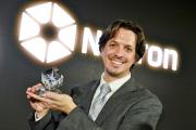 Tomáš Mikolov převzal 3. prosince 2018 v Praze cenu Nadačního fondu Neuron pro mladé nadějné vědce v oboru medicína.