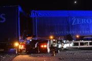 Na dálnici D2 u Hustopečí se 11. února 2019 srazila tři nákladní auta (na snímku). Blízko místa nehody navíc havarovala dodávka, jejíž řidič nepřežil náraz do svodidel. Dálnice D2 ve směru na Břeclav proto byla uzavřena mezi exity 25 a 41.