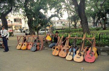 Prodavač kytar, Cebu