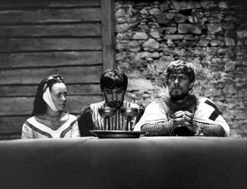 Věra Galatíková (Lenora), Petr Čepek (Ondřej) a Jan Kačer (Armin) ve filmu Údolí včel.