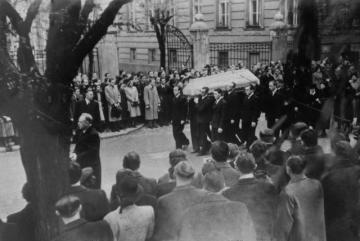 Pohřeb Jana Opletala v Praze