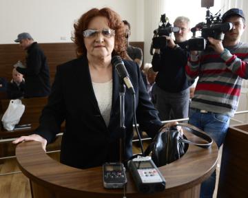 Pražský městský soud pokračoval 13. května v projednávání kauzy exministra obrany Martina Bartáka a zbrojaře Michala Smrže. V souvislosti s armádní zakázkou na dodávku vozů Tatra viní obžaloba Bartáka z přijímání úplatku a Smrže z pokusu o podvod. Jako svědkyně před soudem vystoupila bývalá ministryně obrany Vlasta Parkanová (na snímku).