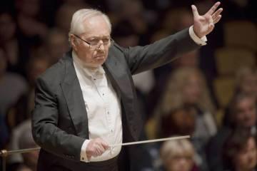 V pražském Obecním domě koncertoval 18. ledna Český národní symfonický orchestr (ČNSO) s dirigentem Liborem Peškem.