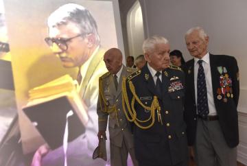 Váleční veteráni (zleva) Václav Kuchyňka, Emil Boček a Tichomír Mirkovič na snímku z 26. dubna 2018.