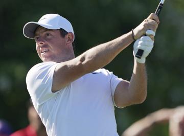 Rory McIlroy ze Severního Irska v průběhu golfového US Open.