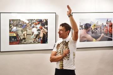 V Muzeu fotografie a moderních obrazových médií v Jindřichově Hradci začala výstava s názvem Tour de France na fotografiích Markéty Navrátilové. Potrvá do 19. srpna 2018. Snímek je ze 7. července 2018.