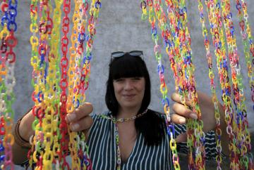 Druhý ročník rodinného festivalu Přísekohraní, který 4. srpna 2018 představil návštěvníkům některé české hračky, se uskutečnil v Muzeu autíček v Přísece u Jihlavy. Vyvrcholením akce byl pokus o překonání rekordu s nejdelším řetězem z céček v ČR.