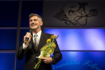 Lumír Olšovský získal 15. září 2018 v Přelouči na Pardubicku Cenu Františka Filipovského za nejlepší mužský herecký výkon v dabingu.