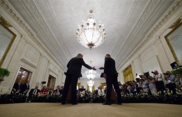 Americký prezident Donald Trump (vlevo) a jeho polský protějšek Andrzej Duda na tiskové konferenci v Bílém domě.