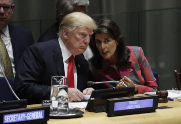 Americký prezident Donald Trump a americká velvyslankyně při OSN Nikki Haleyová